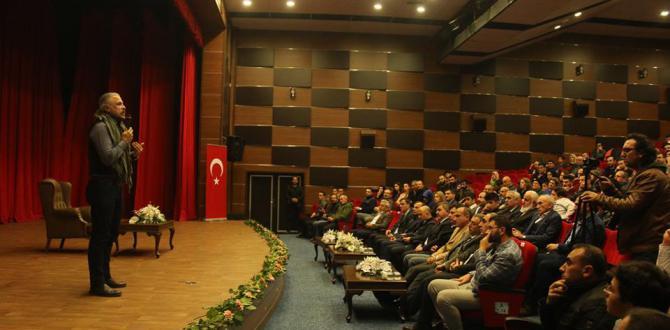 """""""Yeni Dünya Düzeni'nde Güçlü Türkiye"""" Konuşuldu"""