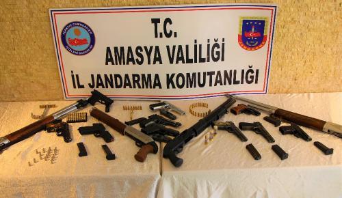 Amasya'da Jandarmadan 'Düğün Dernek' Operasyonu: 14 Silaha El Konuldu, 9 Gözaltı