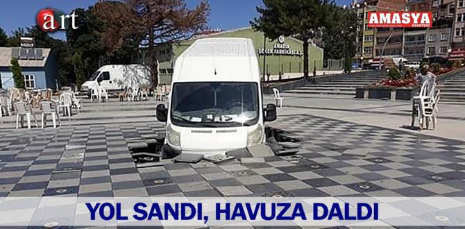 YOL SANDI, HAVUZA DALDI